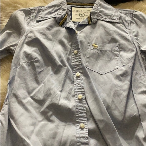 Abercrombie & Fitch long sleeved blue shirt in XS